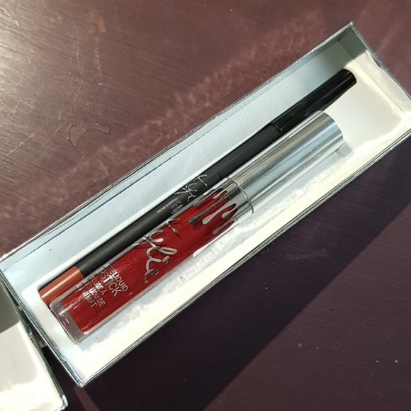 Kylie Holiday Edition Lip Duo in Merry